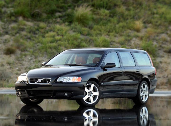 Volvo Cars отзывает 200 тысяч машин из-за проблем с пассивной безопасностью